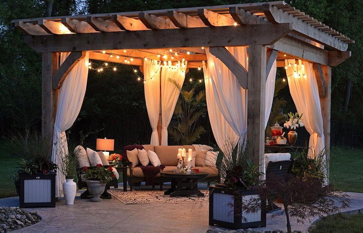 This wooden pergola is arguably the most standard model