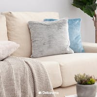 Linori Rumi Sarung Bantal Fur Light Grey 40x40cm