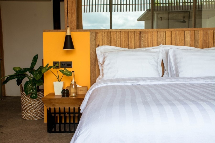 Indolinen Fitted Sheet - White Stripe 3 Twin 100x200x30 Tc-300