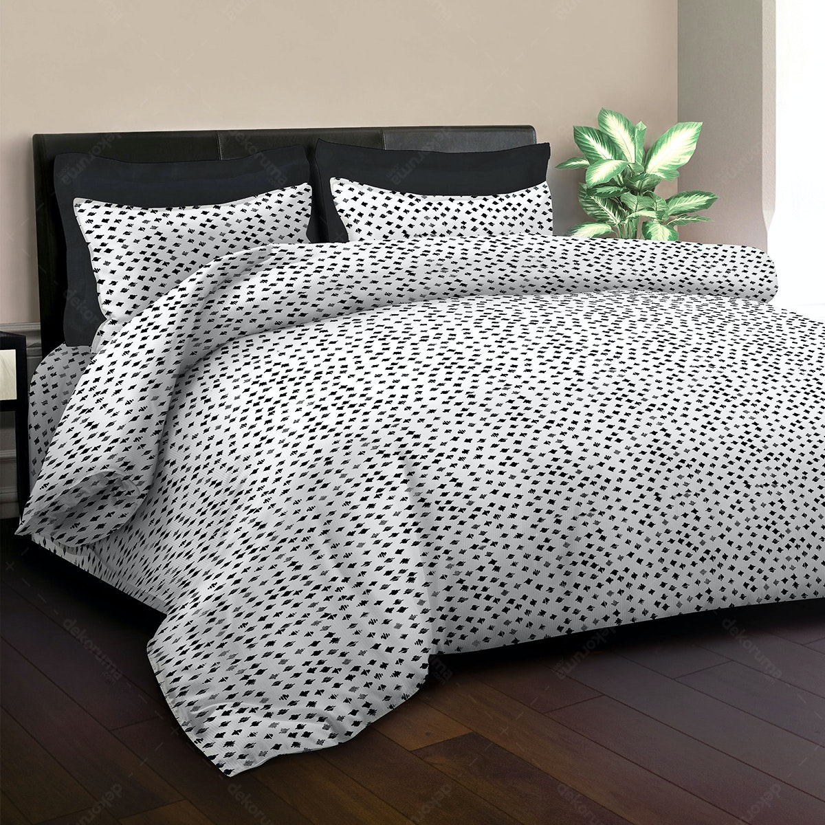 King Rabbit Bed Cover Autograph Sign Hitam 230x230cm