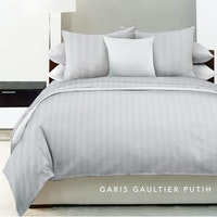 King Rabbit Bed Cover Single Motif Garis Gaultier - White Uk 140x230 cm