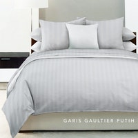 King Rabbit Bed Cover Double Motif Garis Gaultier - White Uk 230x230 cm