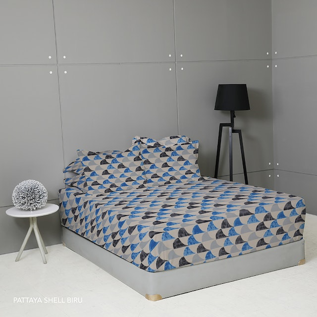King Rabbit Set Sprei Sarung Bantal Single Motif Moody Pattaya Shell - Biru Uk 100x200x40 cm