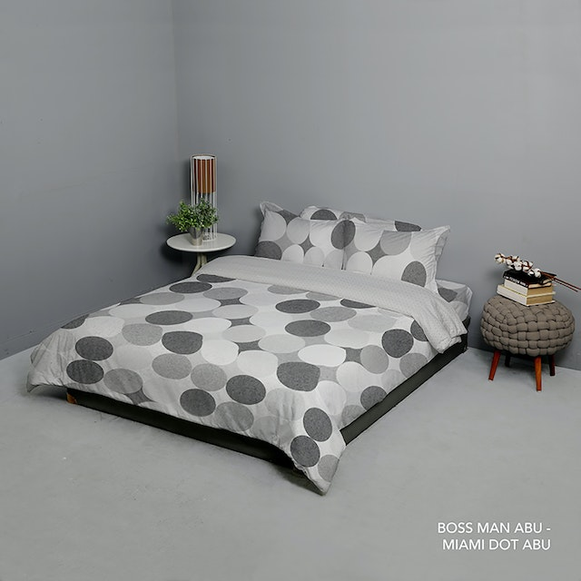 King Rabbit Set Bed Cover & Sprei Sarung Bantal Queen Motif Boss Man - Abu Uk 160x200x40 cm