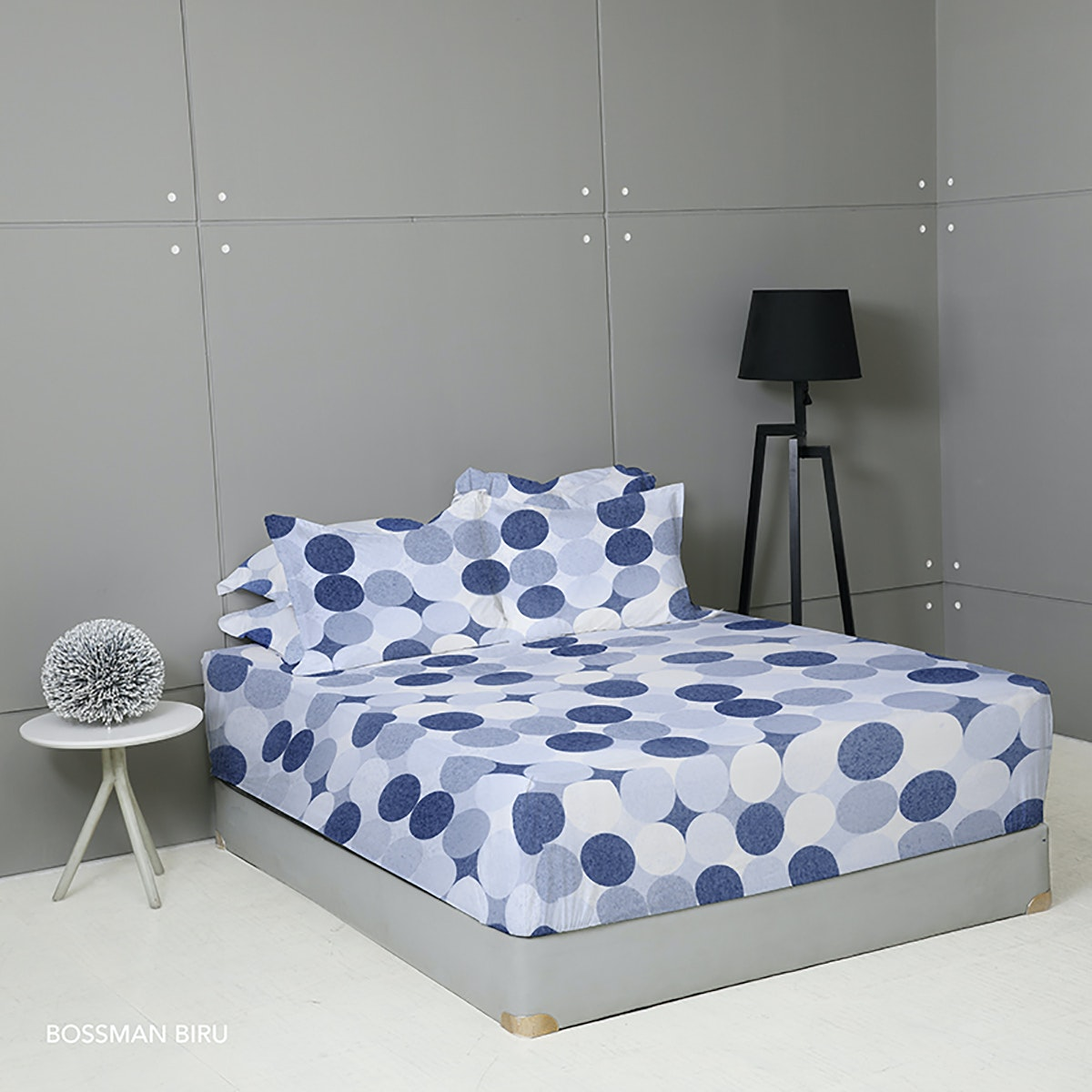 King Rabbit Set Sprei Sarung Bantal King Motif Boss Man - Biru Uk 180x200x40 cm