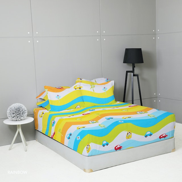 King Rabbit Set Sprei Sarung Bantal Queen Motif Rainbow Uk 160x200x40 cm
