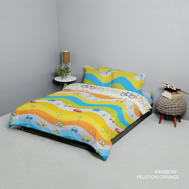 King Rabbit Set Bed Cover & Sprei Sarung Bantal Queen Motif Rainbow Uk 160x200x40 cm