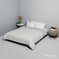 King Rabbit Bed Cover Double Motif Bambu Berly Uk 230x230 cm