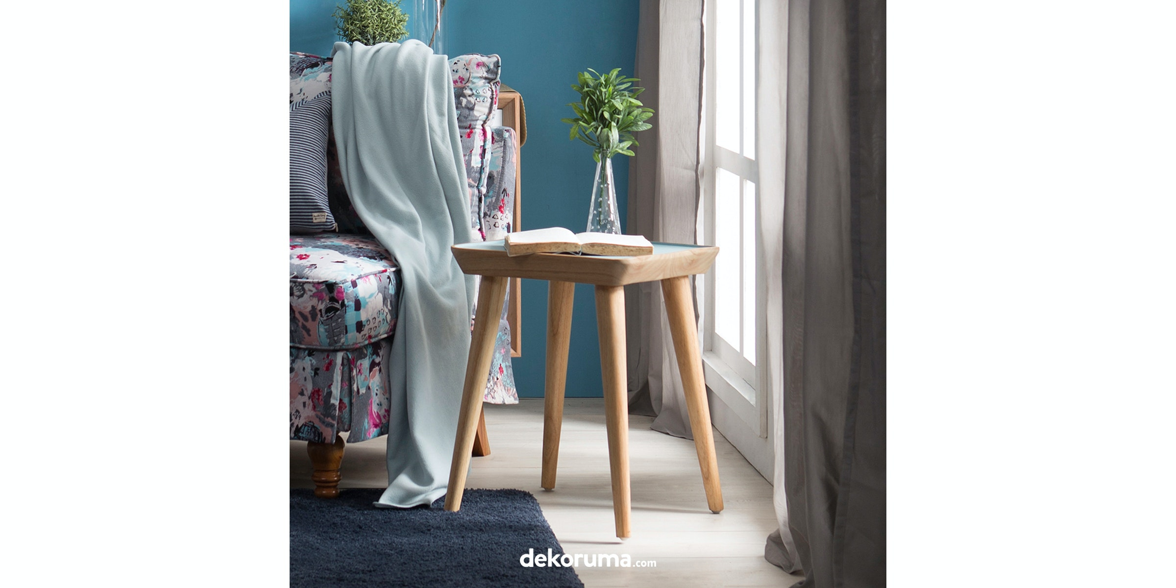 Le Noir Project Heike Ao Side Table Biru Muda