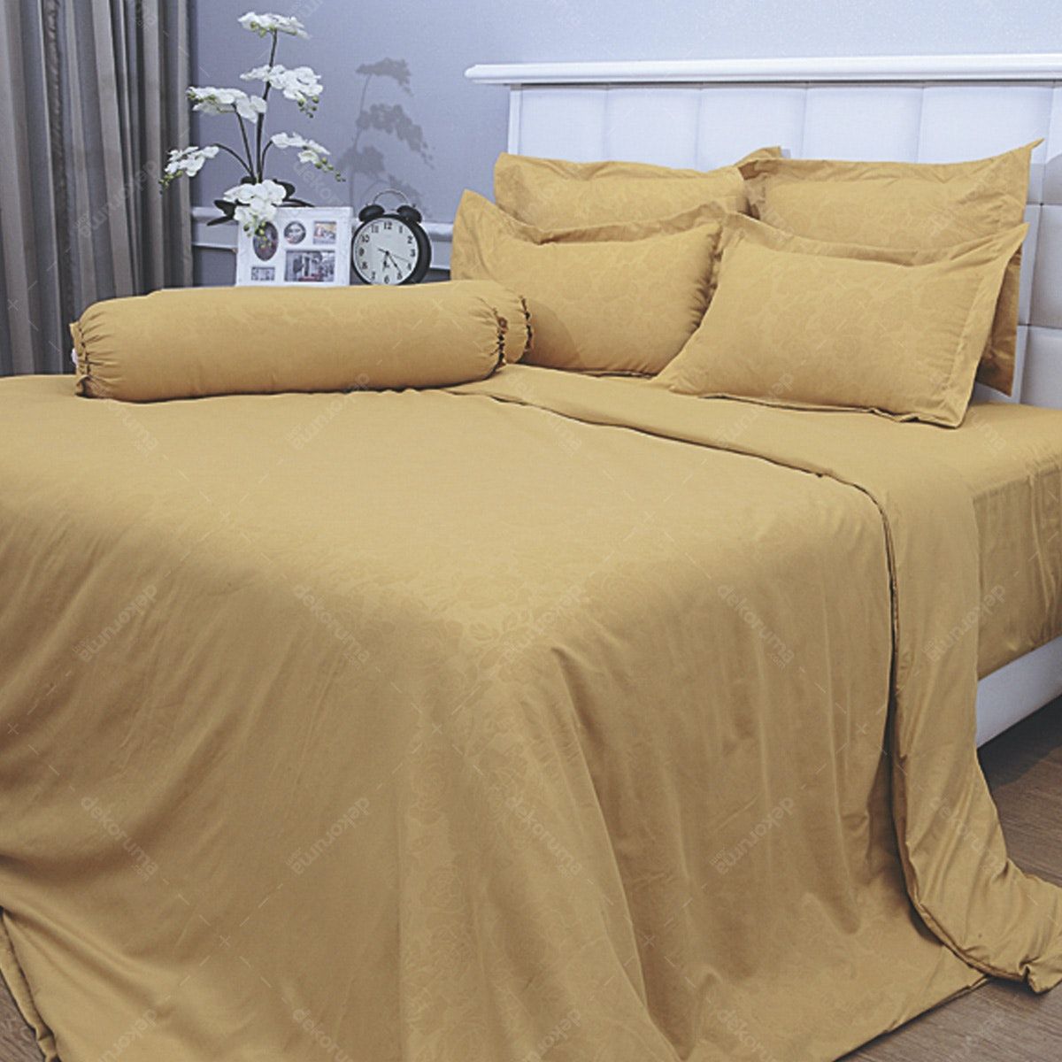 Vallery Quincy Bed Cover Golden BC 245x225cm