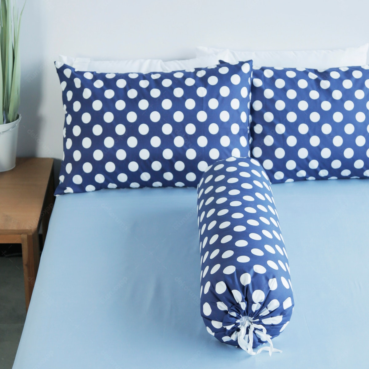 Pillow People Set Sprei Kombinasi Forever Blue 160x200x30cm