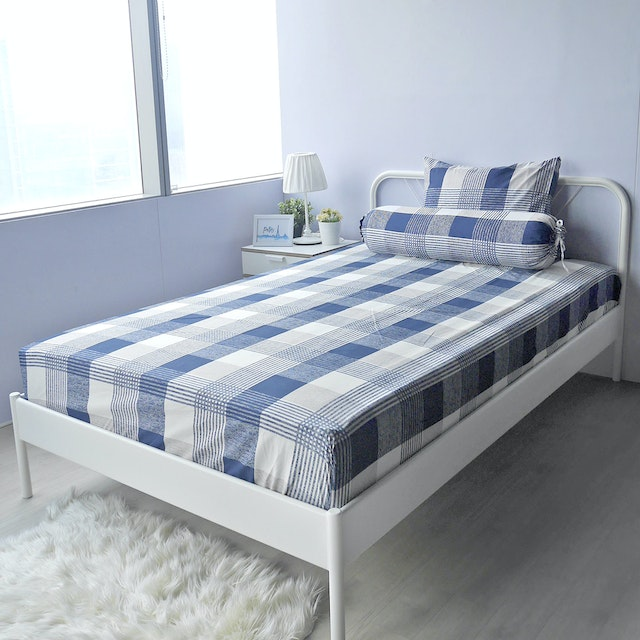 Pillow People Set Sprei Square Navy 120x200cm