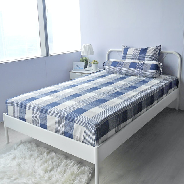 Pillow People Set Sprei Square Navy 180x200cm