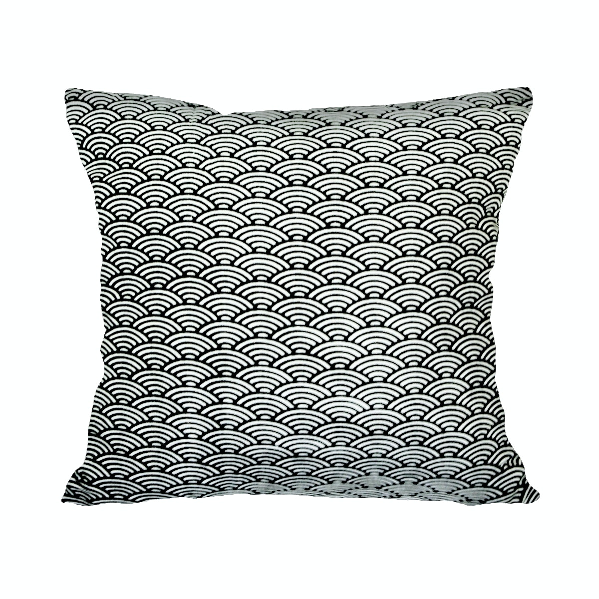 Stiletto Living Cushion Cover / Sarung Bantal Monokrom - Bw Fish Scale