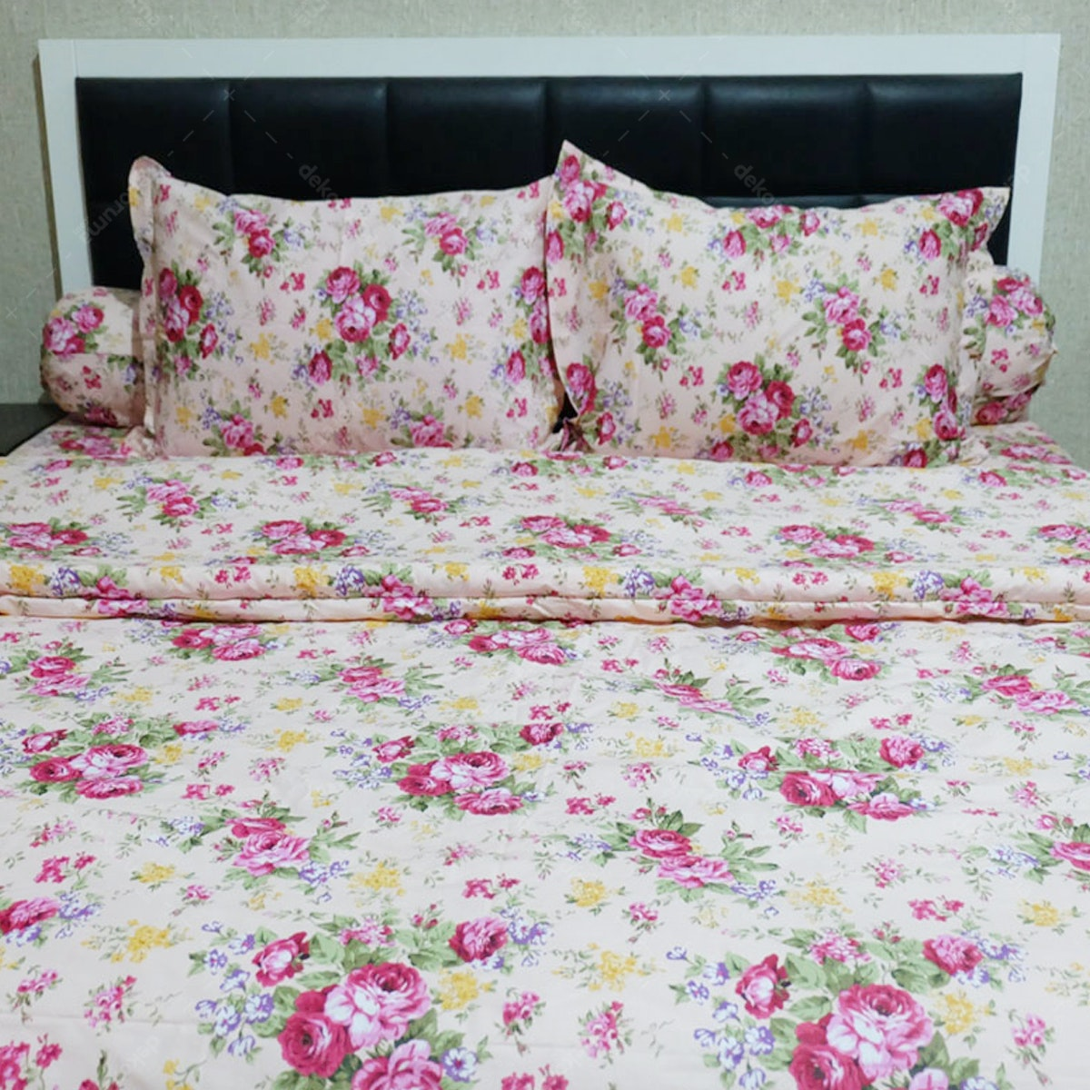 Sleep Buddy Set Sprei dan Bed Cover Pink Mary CVC 160x200x30