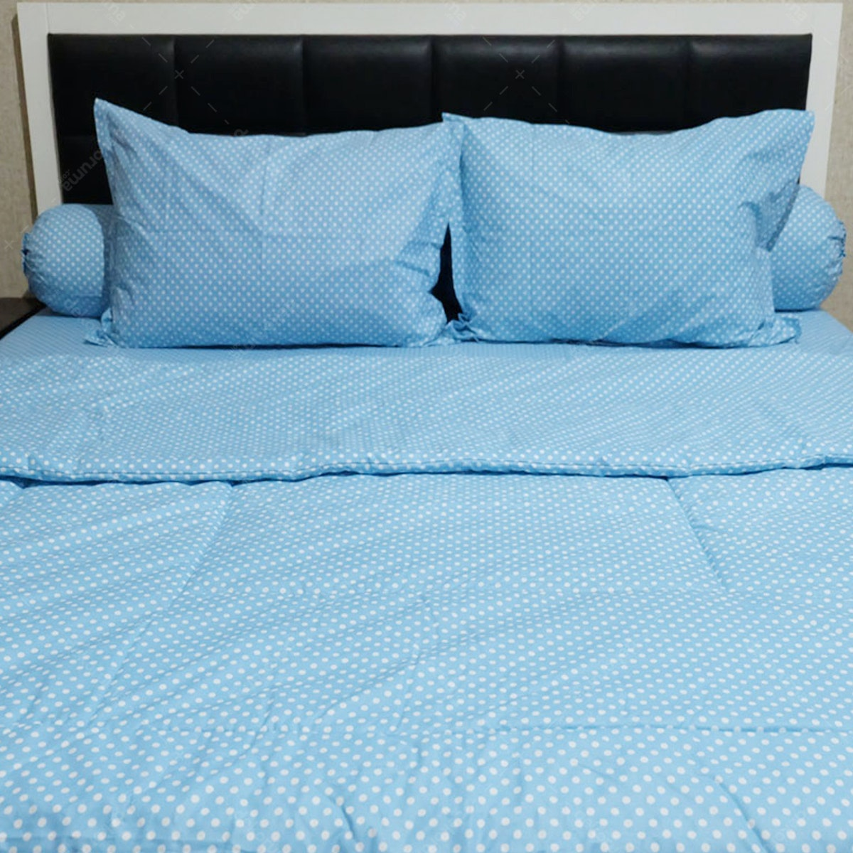 Sleep Buddy Set Sprei dan Bed Cover Polka Blue CVC 180x200x30