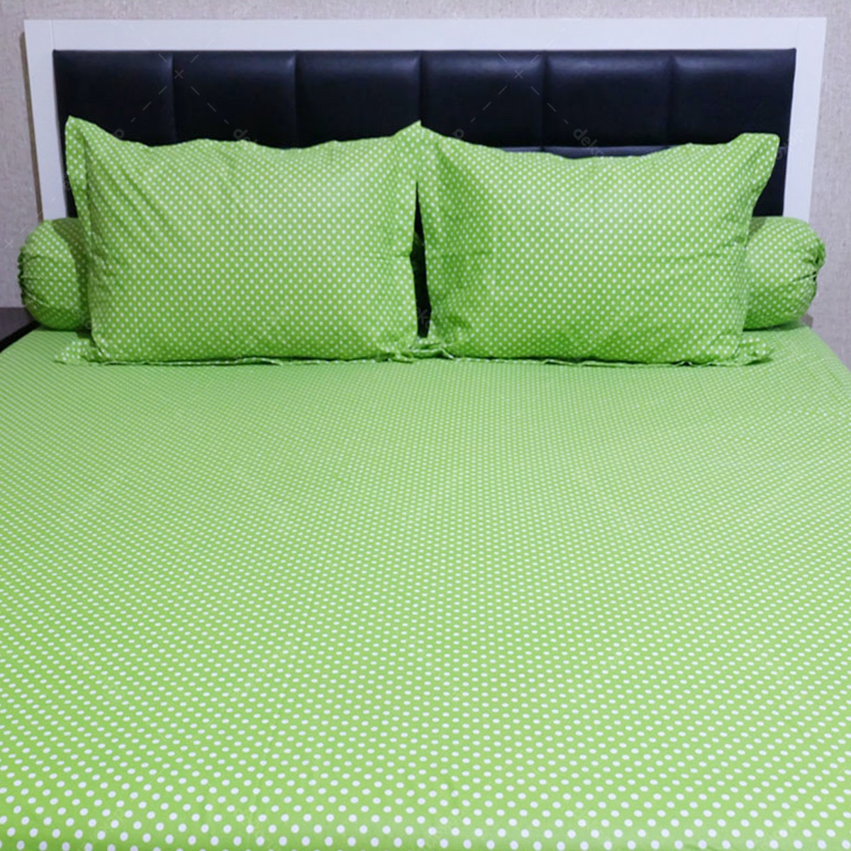 Sleep Buddy Set Sprei Polka Green CVC 180x200x30