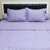 Sleep Buddy Set Sprei dan Bed Cover Polka Purple CVC 160x200x30