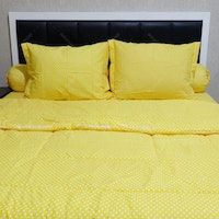 Sleep Buddy Set Sprei dan Bed Cover Polka Yellow CVC 120x200x30
