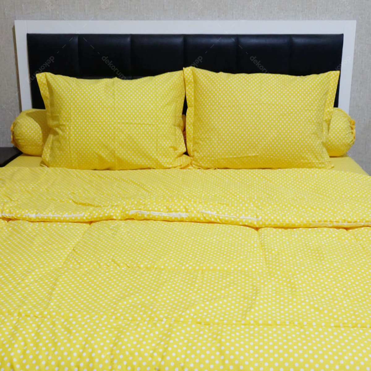 Sleep Buddy Set Sprei dan Bed Cover Polka Yellow CVC 180x200x30