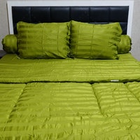 Sleep Buddy Set Sprei dan Bed Cover Stripe Green Sutra Tencel 160x200x40