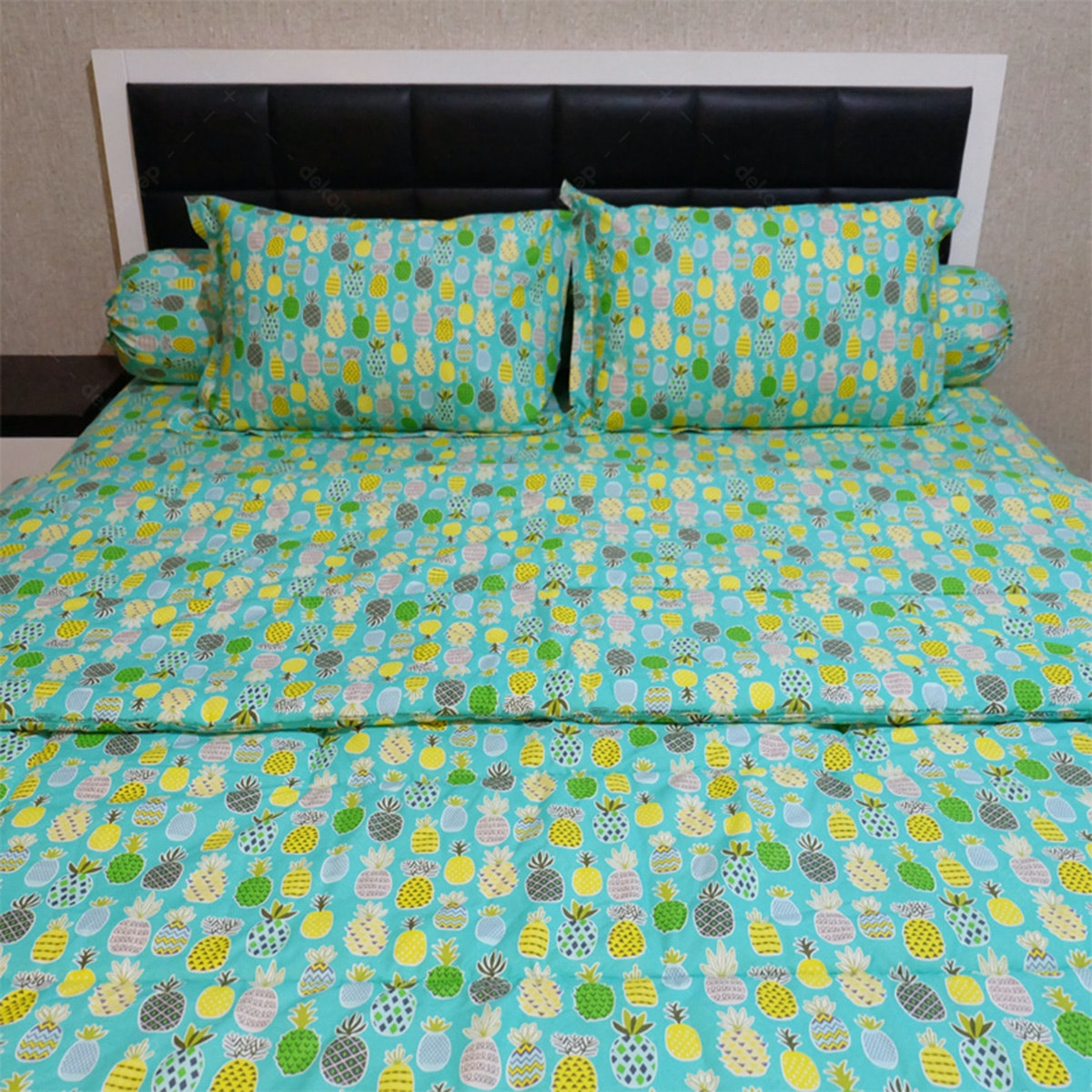 Sleep Buddy Set Sprei Dan Bed Cover Tosca Pineapple Cvc 180x200x30
