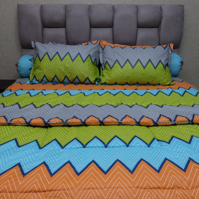 Sleep Buddy Set Sprei dan bed cover Urban Retro Orange CVC 180x200x30