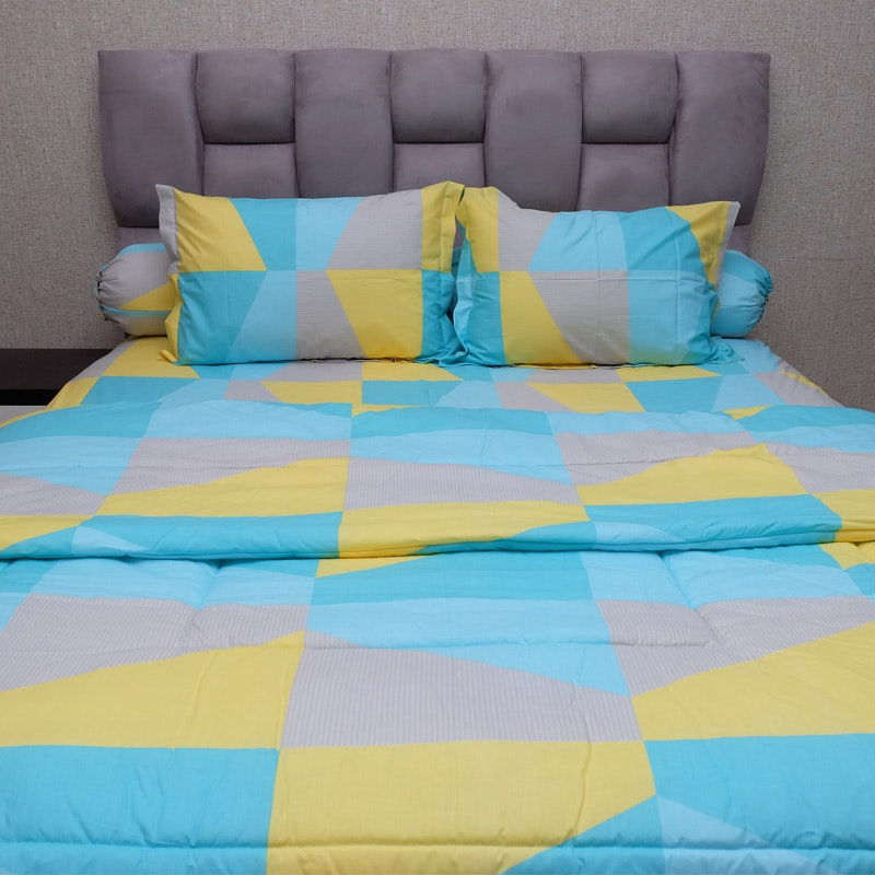 Sleep Buddy Set Sprei dan bed cover Blue Zenith CVC 180x200x30