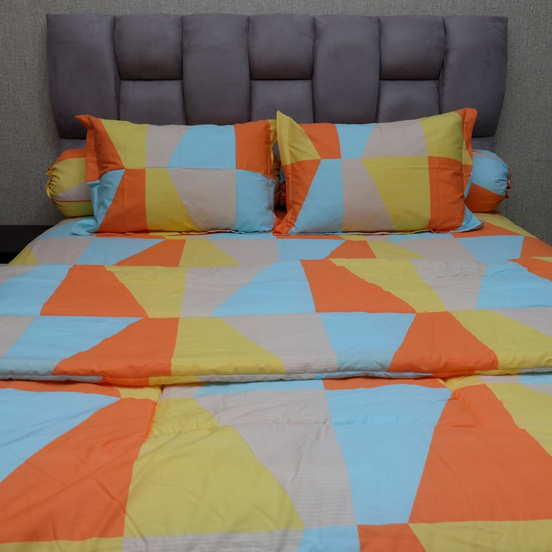Sleep Buddy Set Sprei dan bed cover Orange Zenith CVC 180x200x30