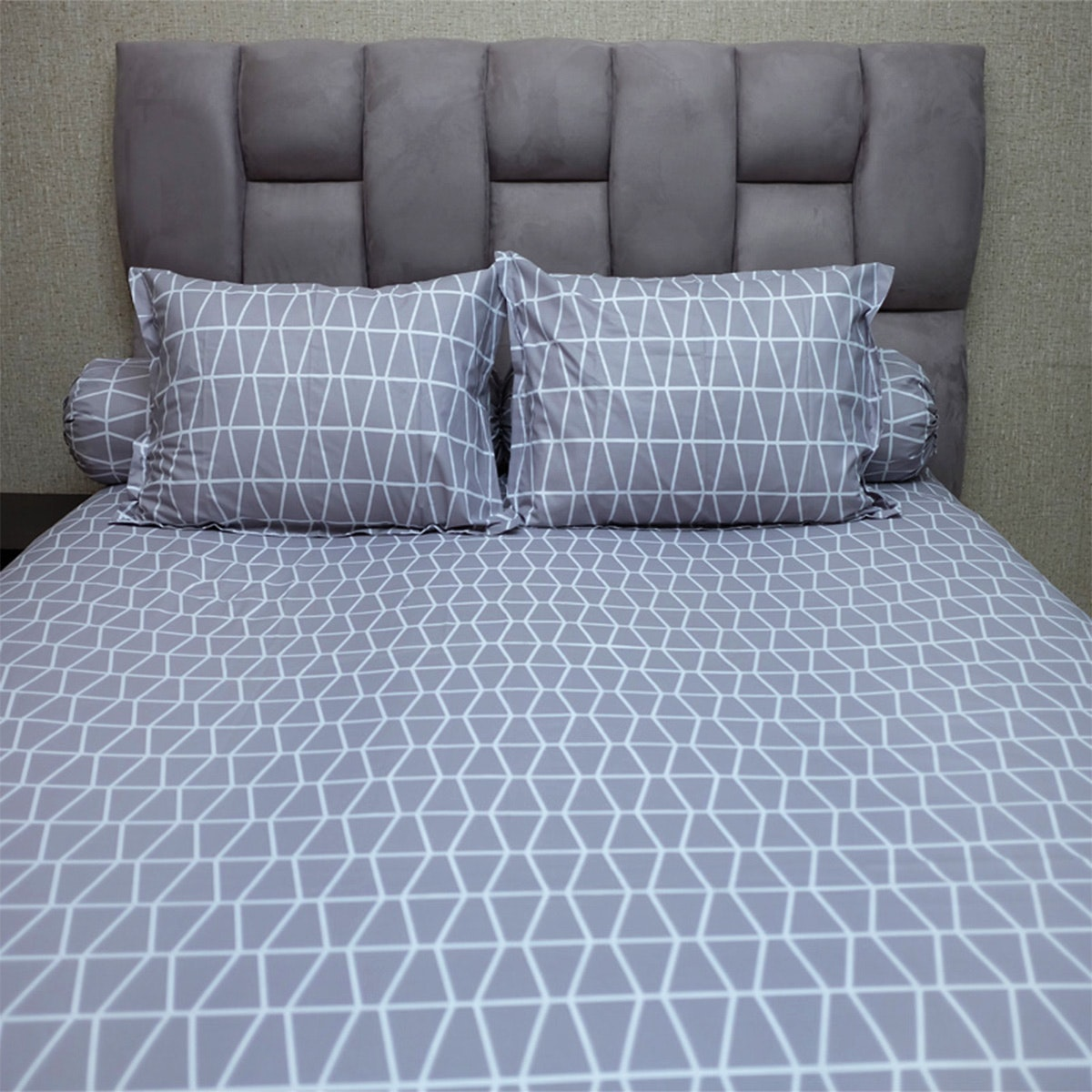 Sleep Buddy Set Sprei Prismatic Grey CVC 200x200x30