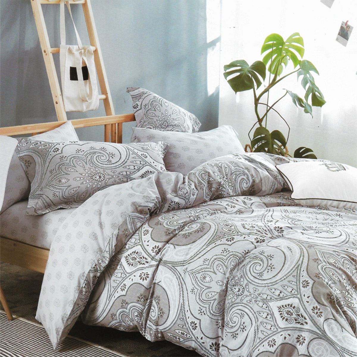 Sleep Buddy Set Sprei dan Bed Cover Classic Grey Cotton Sateen 160x200x30