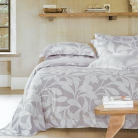 Sleep Buddy Set Sprei dan Bed Cover Leaf Silhoutte Organic Cotton 180x200x30