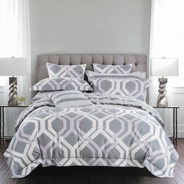 Sleep Buddy Set Sprei dan bed cover Spoiler Grey Cotton Sateen 160x200x30