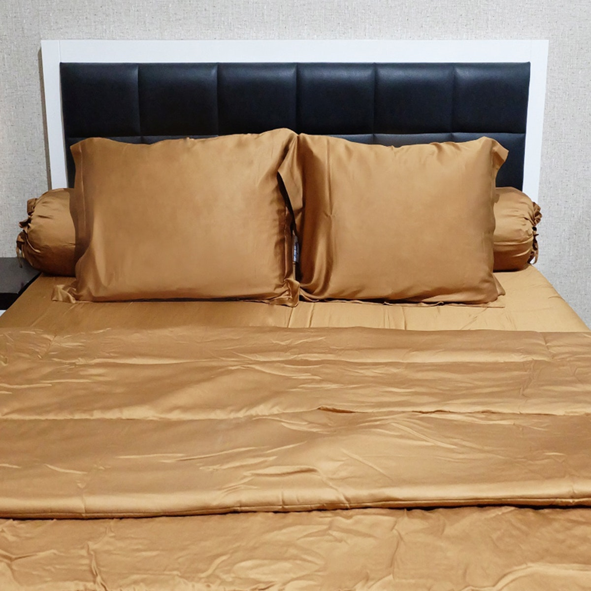 Sleep Buddy Set Sprei dan Bed Cover Plain Brown Sutra Tencel 160x200x40cm