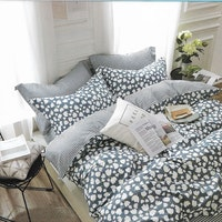 Sleep Buddy Set Sprei dan bed cover Tulip Silhoutte Cotton Sateen 160x200x30