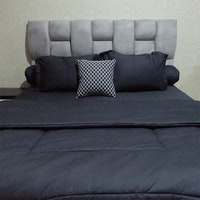 Sleep Buddy Set Sprei dan bed cover Plain Black Cotton Sateen 200x200x30