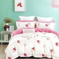 Sleep Buddy Set Sprei Strawberry Cotton Sateen 160x200x30