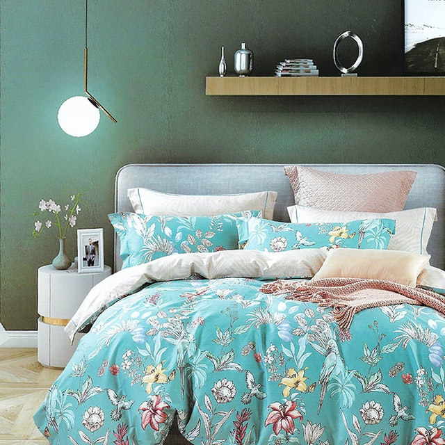 Sleep Buddy Set Sprei dan bed cover Foralis Cotton Sateen 160x200x30