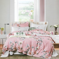 Sleep Buddy Set Sprei dan Bed Cover Amaryllis Cotton Sateen 180x200x30