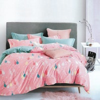 Sleep Buddy Set Sprei dan Bed Cover Pink Goose Cotton Sateen 160x200x30