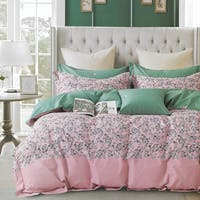 Sleep Buddy Set Sprei dan Bed Cover Bunch Pink Cotton Sateen 120x200x30
