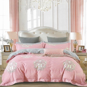 Sleep Buddy Set Sprei dan Bed Cover Mask Pink Cotton Sateen 200x200x30