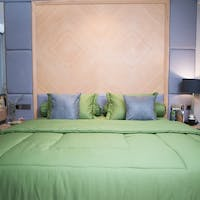 Sleep Buddy Set Sprei dan Bed Cover Plain Palm Green Katun Jepang 160x200x30
