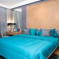 Sleep Buddy Set Sprei dan Bed Cover Plain Tosca Katun Jepang 160x200x30
