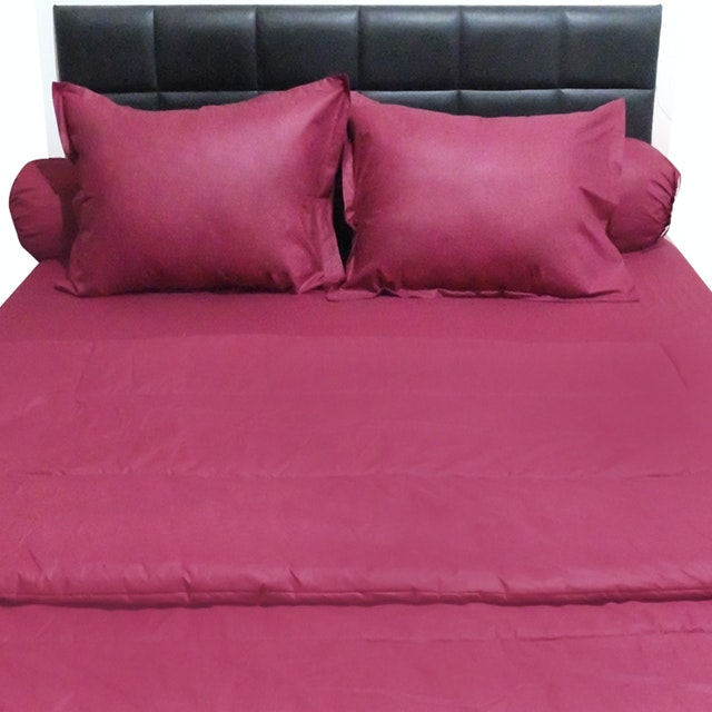 Sleep Buddy Set Sprei dan Bed Cover Plain Maroon CVC 160x200x30
