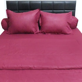 Sleep Buddy Set Sprei dan Bed Cover Plain Maroon CVC 180x200x30