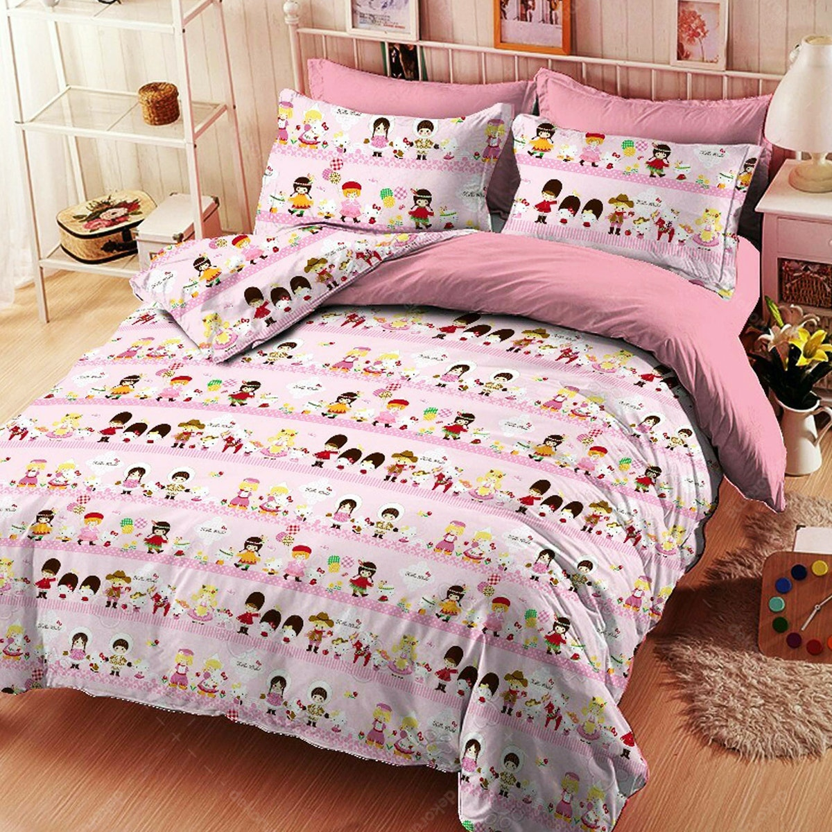 Yukero Sprei Motif Hello Kitty World Travel Pink 120x200x20